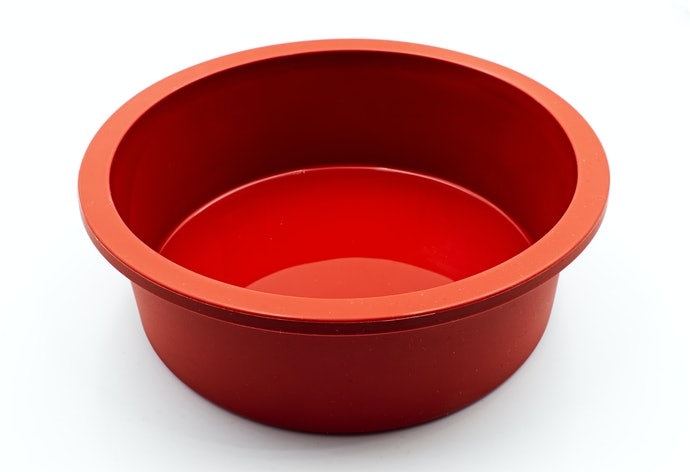 Go for Large Bakeware for Cake and Bread
