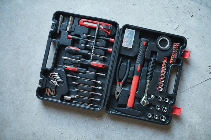 Consider a Generic Toolbox with Tools Included