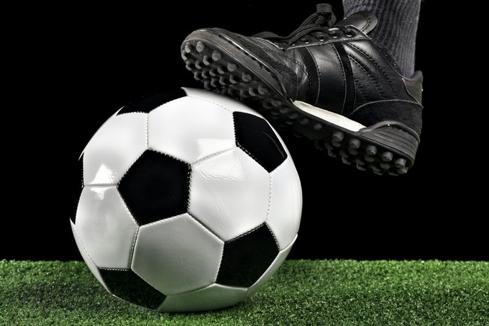 Reduce Pressure on Thin Ground With Artificial Turf Cleats