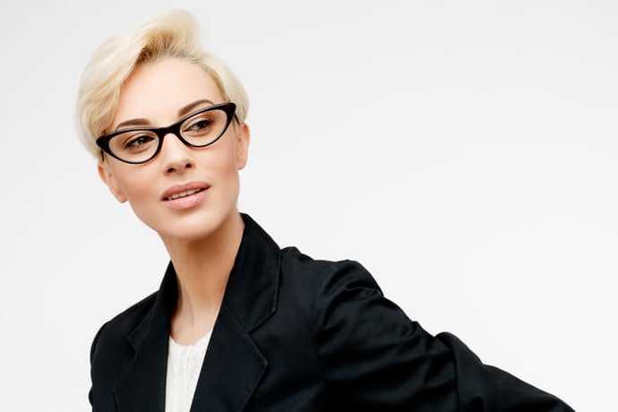Angular Glasses Suit Oval or Round Faces