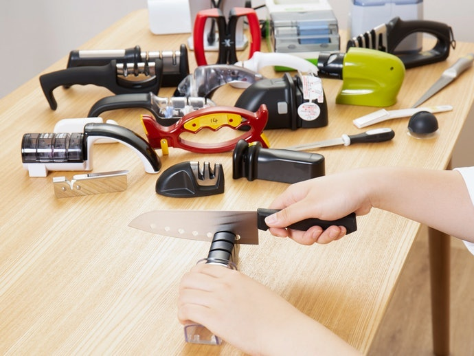 How We Tested the Knife Sharpeners