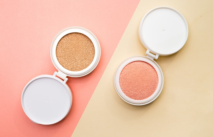 Powder Foundations Are Perfect for Touch-Ups Between Photoshoots