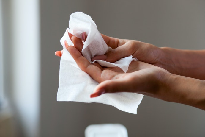Wet Wipes Remove Heavy Duty Dirt While Eliminating Germs