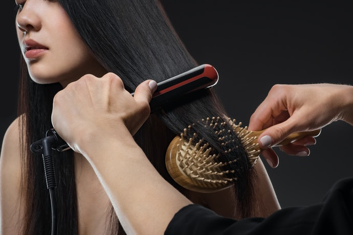 Ceramic Plates Heat Evenly and Work Great on Fine Hair
