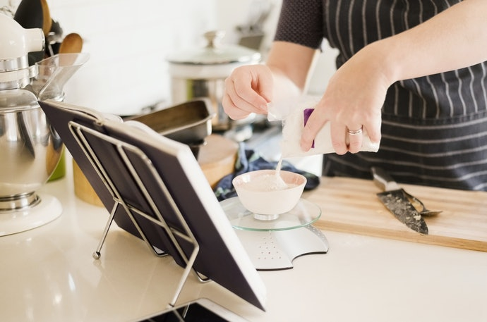Get the Right Size Stand for Both Your Kitchen and Cookbooks