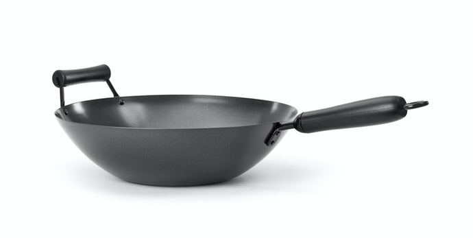 A Flat-Bottomed Wok Works Well for Both Gas and Electric Ranges