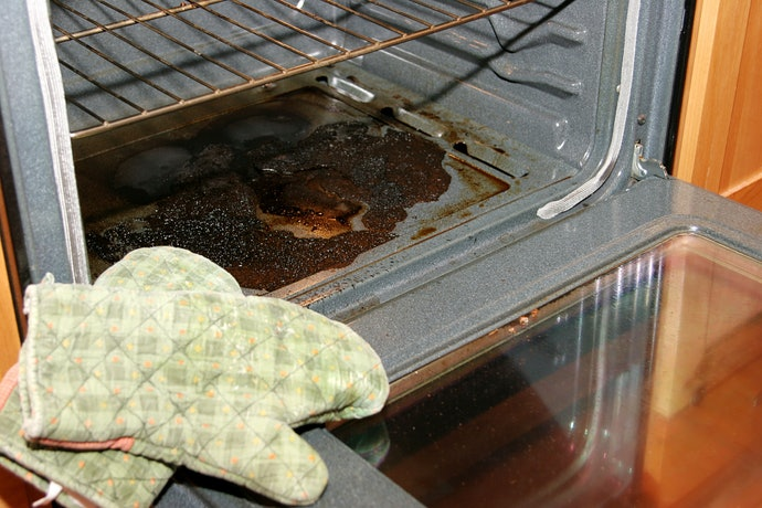 Liquid Cleaner Can Soften Burnt-On Grease