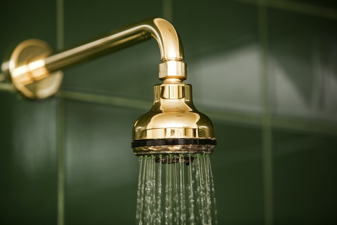 Fixed Shower Heads are No-Frills and Easy to Install