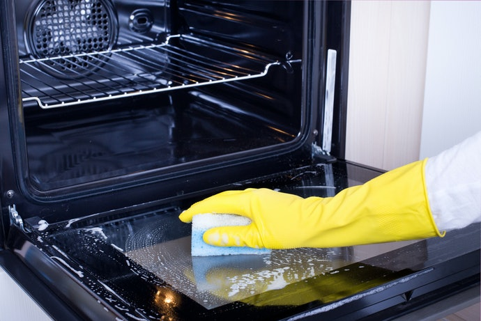 Choose Non-Abrasive Specialized Cleaners for Oven Window Glass