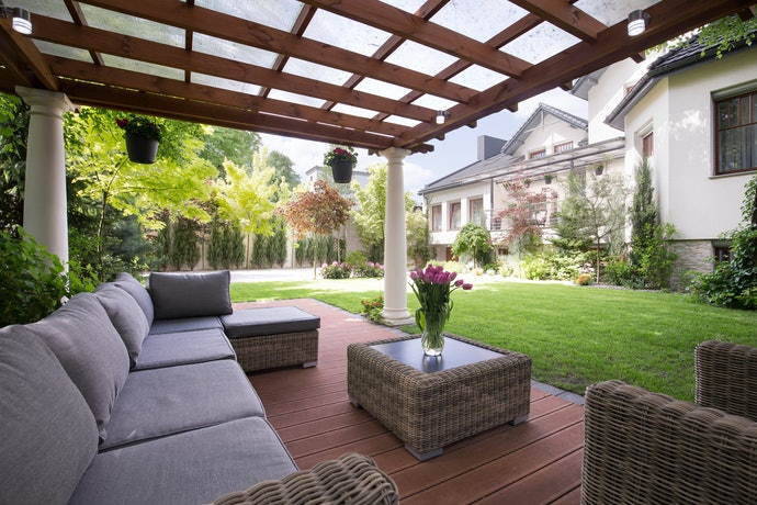 Outdoor Furniture Needs All-Sided Protection