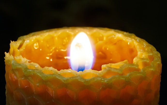 Natural Beeswax Candles are Air-Purifying