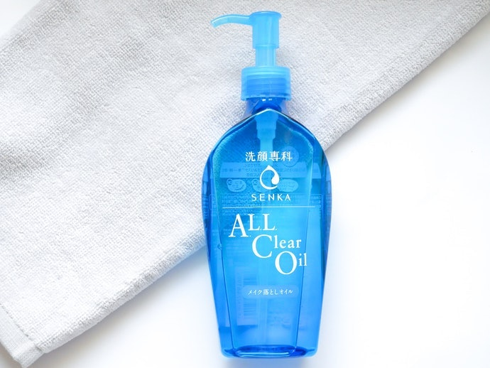 What Does Senka's All Clear Oil Do, Exactly?