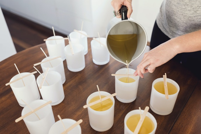Decide Between Different Types of Candle Wax