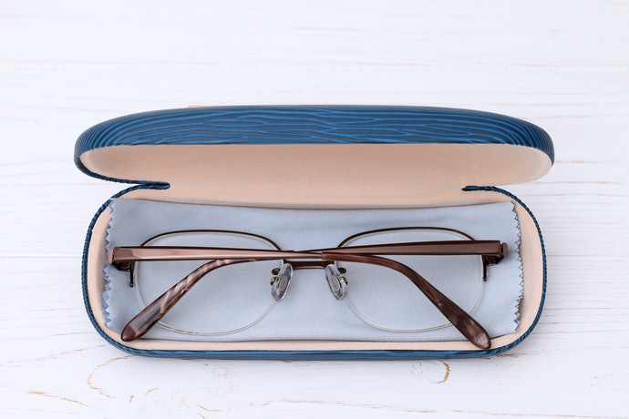 Pick a Case Based on the Size of Your Glasses