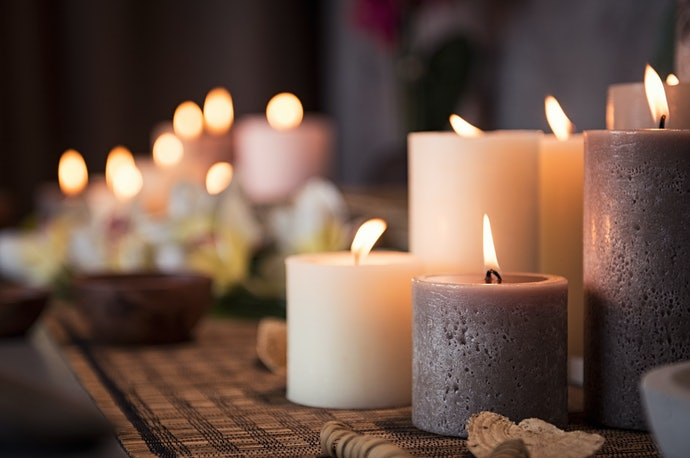 Choose a Candle Based on Its Size and Burn Time