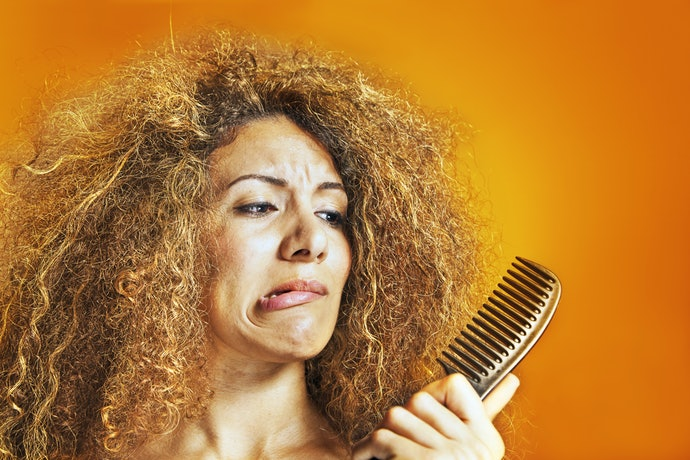 Sulfates and Alcohols Might Dry Out Your Hair