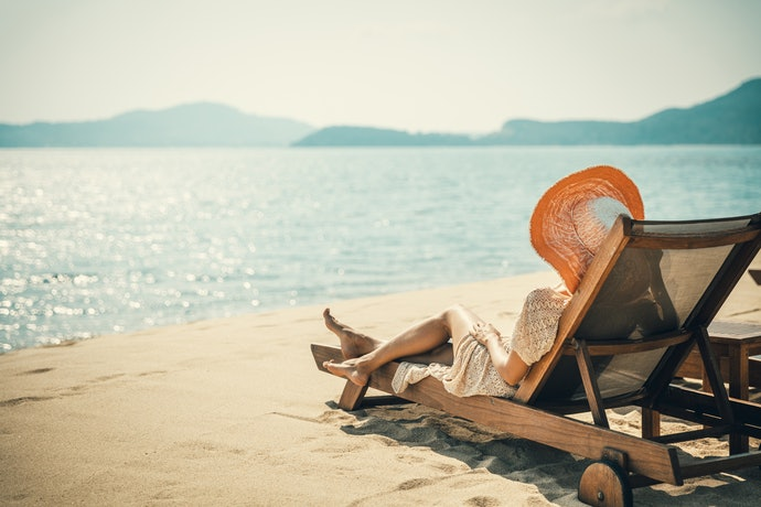 Choose Between Standard and Lounge Chairs