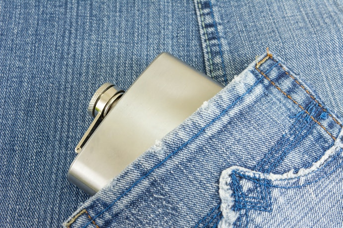 Go for a Classic Kidney Flask to Carry in Your Pocket