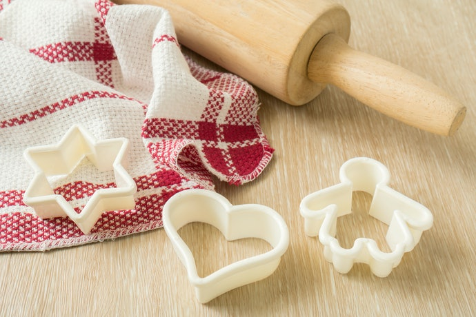 Plastic Cookie Cutters are Safe and Inexpensive