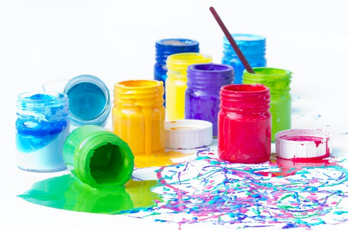 Consider the Kind of Paint Container
