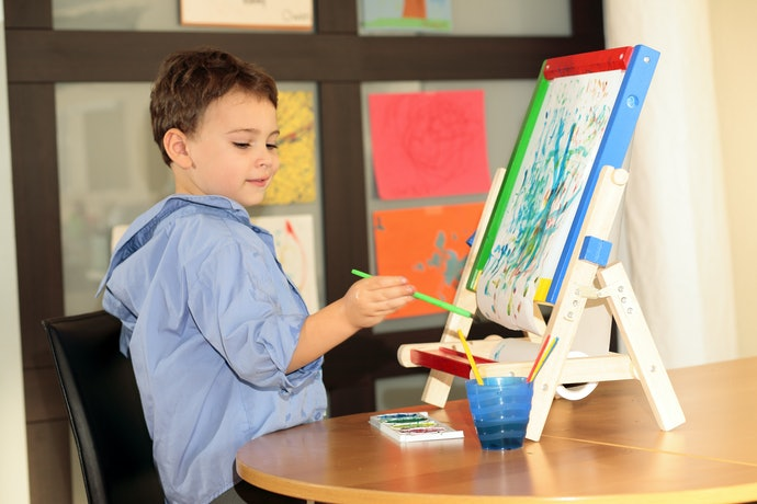 Tabletop Easels are Portable and Easy to Store