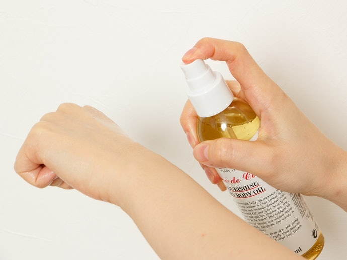 Thinner Oils Can be Used on the Face as a Booster