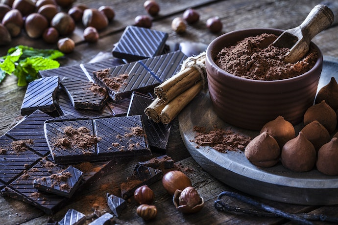 Choose One That Contains Nuts, Seeds, and Dark Chocolate