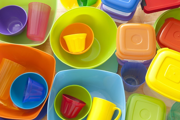 Colored vs. Clear Depends on How You Organize Your Fridge