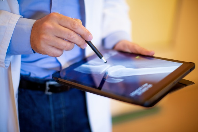 A Capacitive Stylus for Easy Tablet Navigation