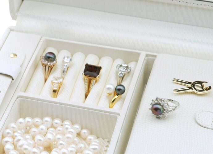 Need Some Organizers for Your Jewelry and Makeup?