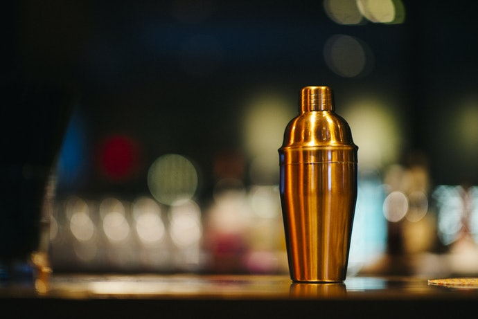 Have a Decent Shaker Set for Well-Mixed Drinks