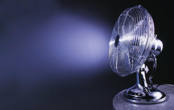 Regulate Air Flow With Adjustable Oscillation and Tilt