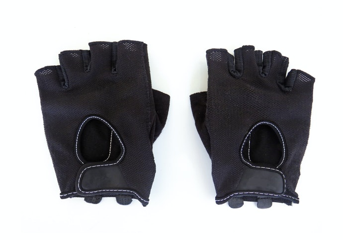 Choose Neoprene for a Pair of All-Round Gloves
