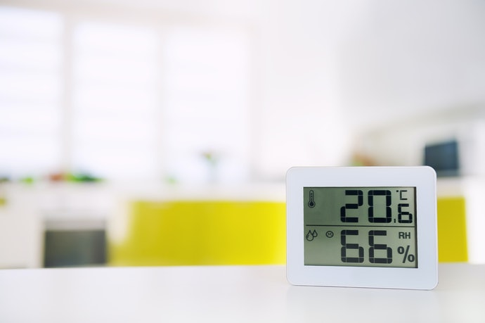 A Built-in Humidistat Will Maintain Appropriate Humidity Levels in the Room