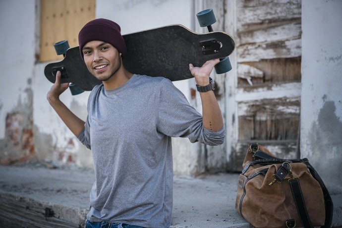 Look for a Lightweight E-Skateboard if You Plan to Carry It Around