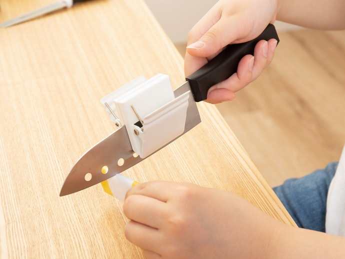 Test ① How Well Did it Sharpen Our Knife?