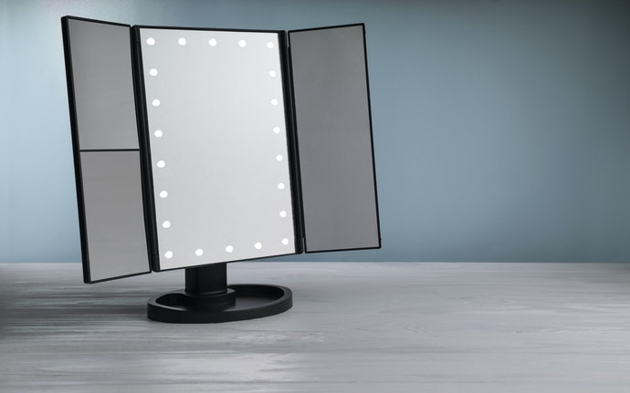 Standing Mirrors Are Portable With More Features