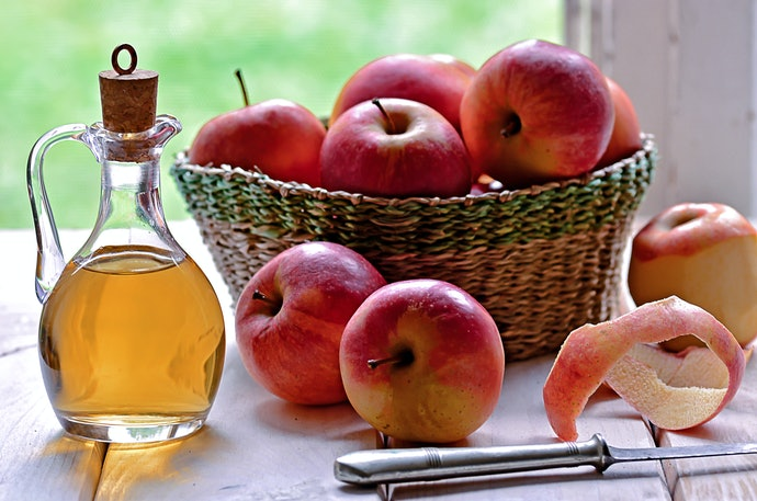 Read up on the Evidence Supporting Apple Cider Vinegar Effects