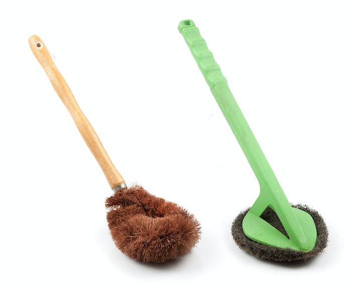 Plastic, Metal, or Wood for Brush Handling and Comfort