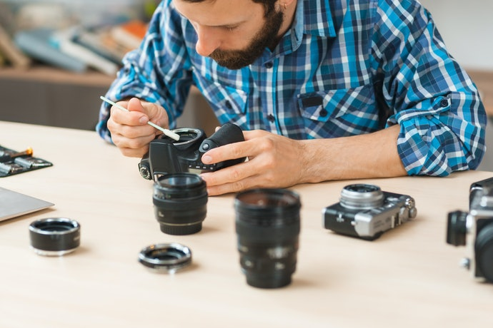 DSLR and SLR Cameras Require More Cleaning Equipment