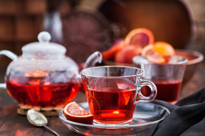 Caffeinated or Caffeine-Free Tea? The Choice is Yours!