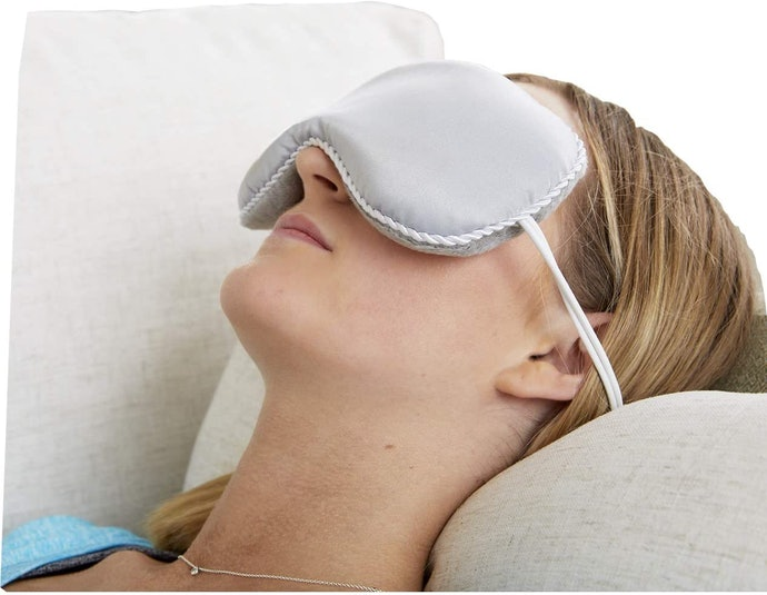 Make Sure It Fits Well Over Your Eyes