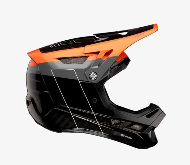 100% Aircraft Carbon Helmet 1