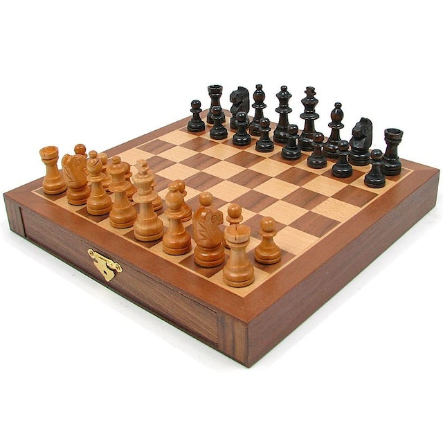 Hey! Play! Magnetized Wood Chess Set 1