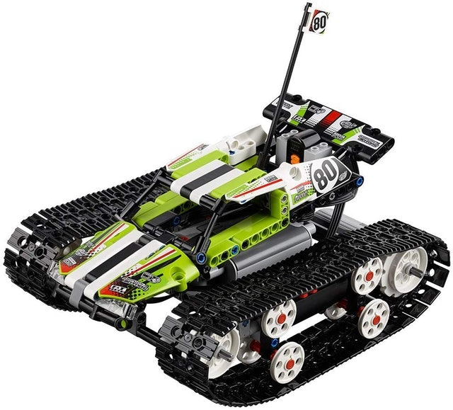 LEGO Technic Tracked RC Racer 1