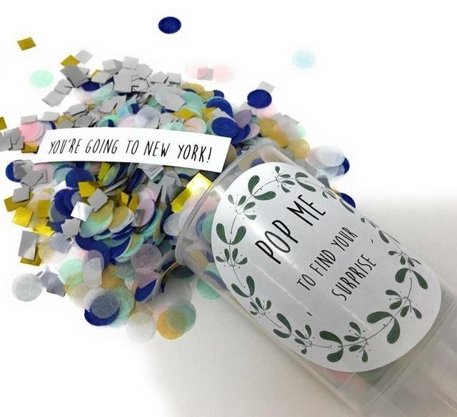 Pocketfold Invites Surprise Confetti Popper 1