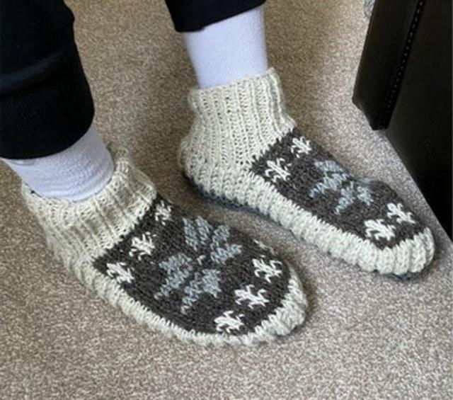 LUGAA 100% Wool Handmade Winter Slipper Socks 1
