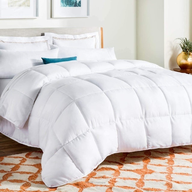 LinenSpa Down Alternative Quilted Comforter 1