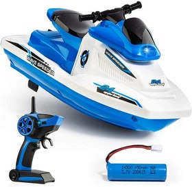 Top 10 Best Remote Control Boats for the Pool in 2021 (Force1, Yezi, and More) 4