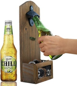 Top 10 Best Gifts for Beer Lovers in 2020 (GrowlerWerks, Libbey, and More) 3